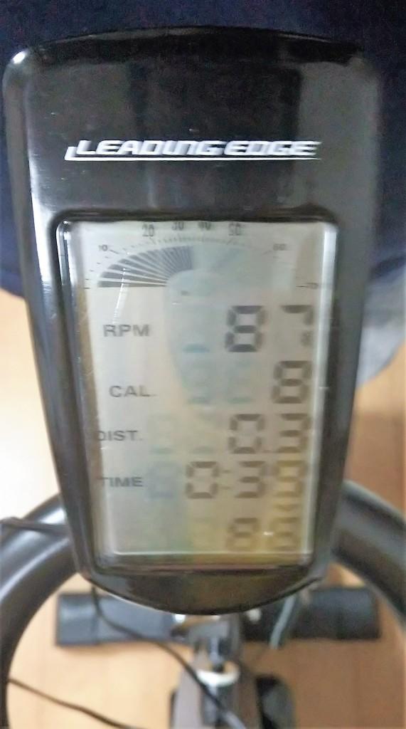 リーディングエッジスピンバイクのサイクルコンピューター