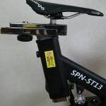Prologoのロードバイクのサドルをスピンバイクに取り付けたところ